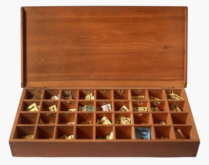 Compartmented Box with Numbered Labels
