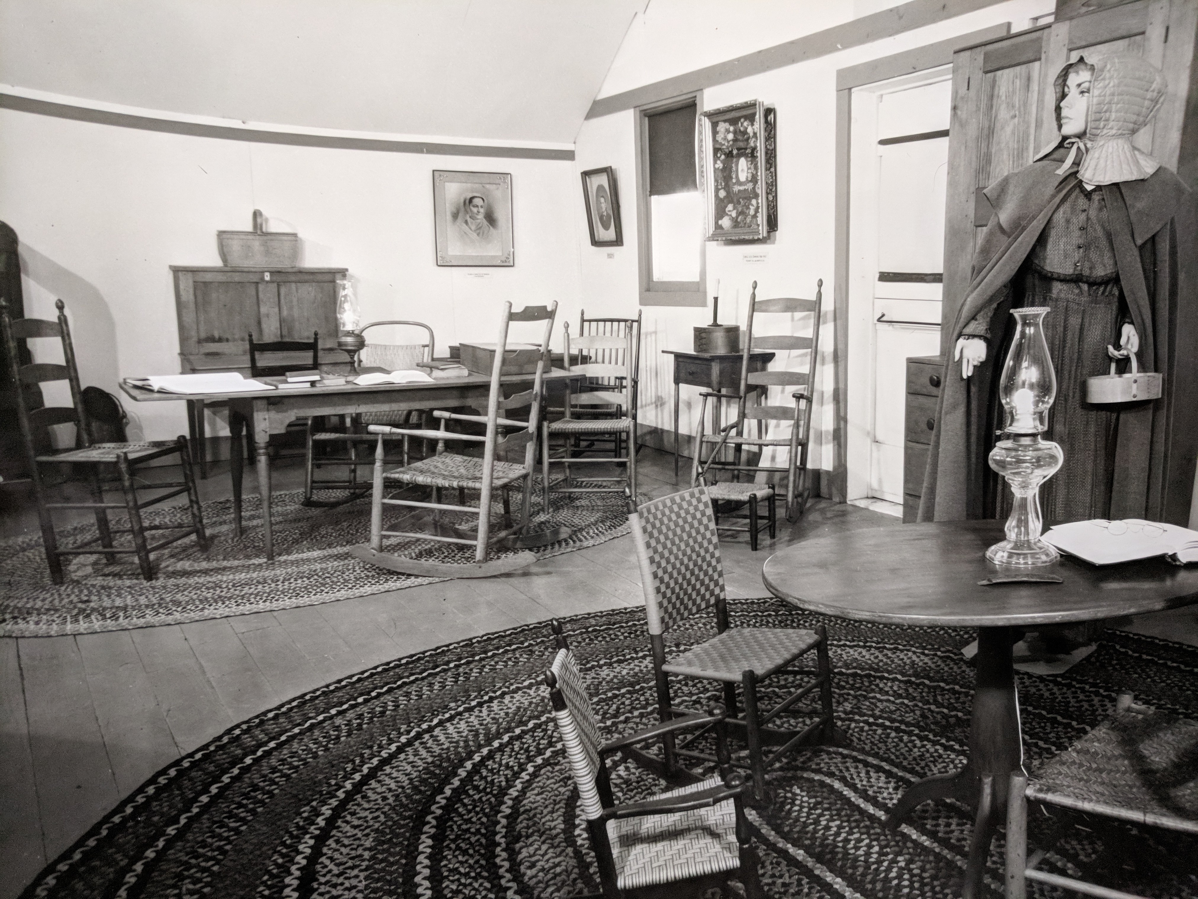 Sitting Room Gallery, 1976, Shaker Museum | Mount Lebanon.